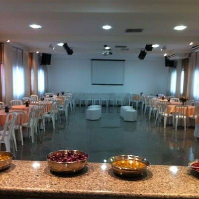 Aluguel de espaço para eventos com telão em Guarulhos