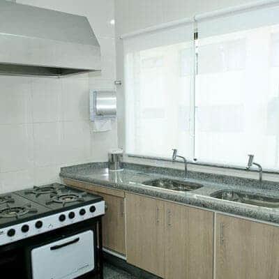 Salão de festa com cozinha completa em Guarulhos